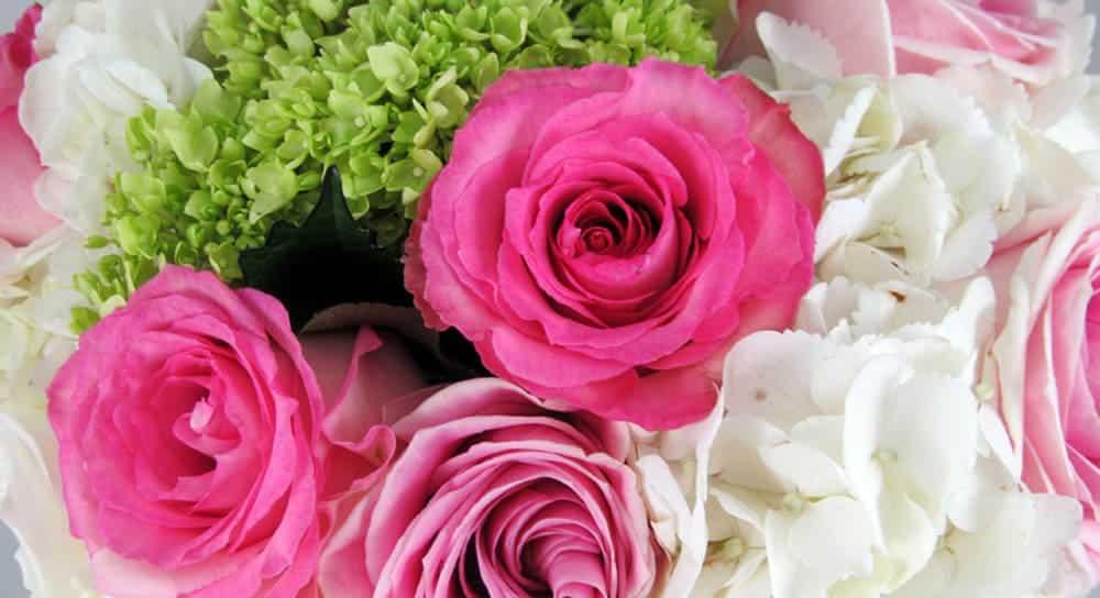 Make A Diy Hydrangea And Rose Bouquet
