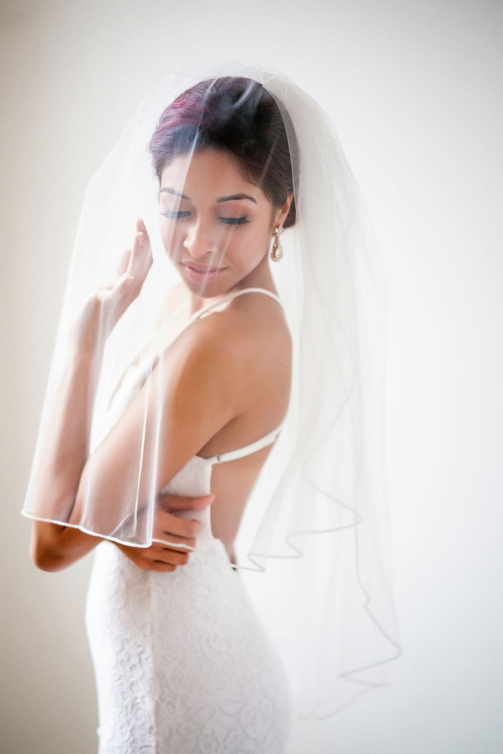 Little things borrowed - bridal accessories for rent - rent your wedding veil