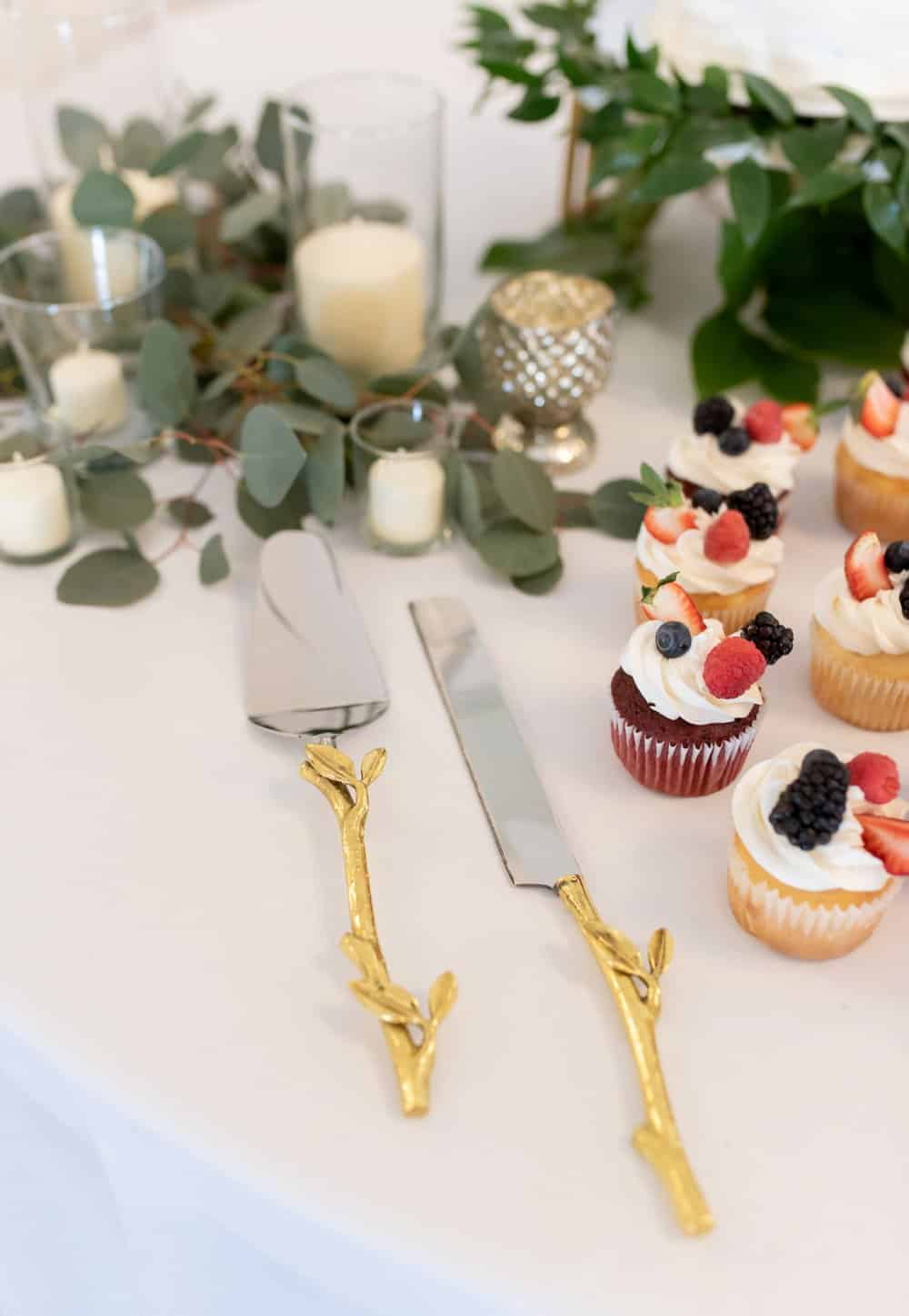 Cute and Chic Friday Wedding