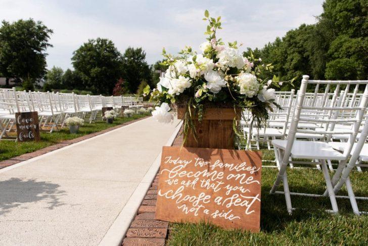 Rustic Diy Barn Wedding On A 10k Budget