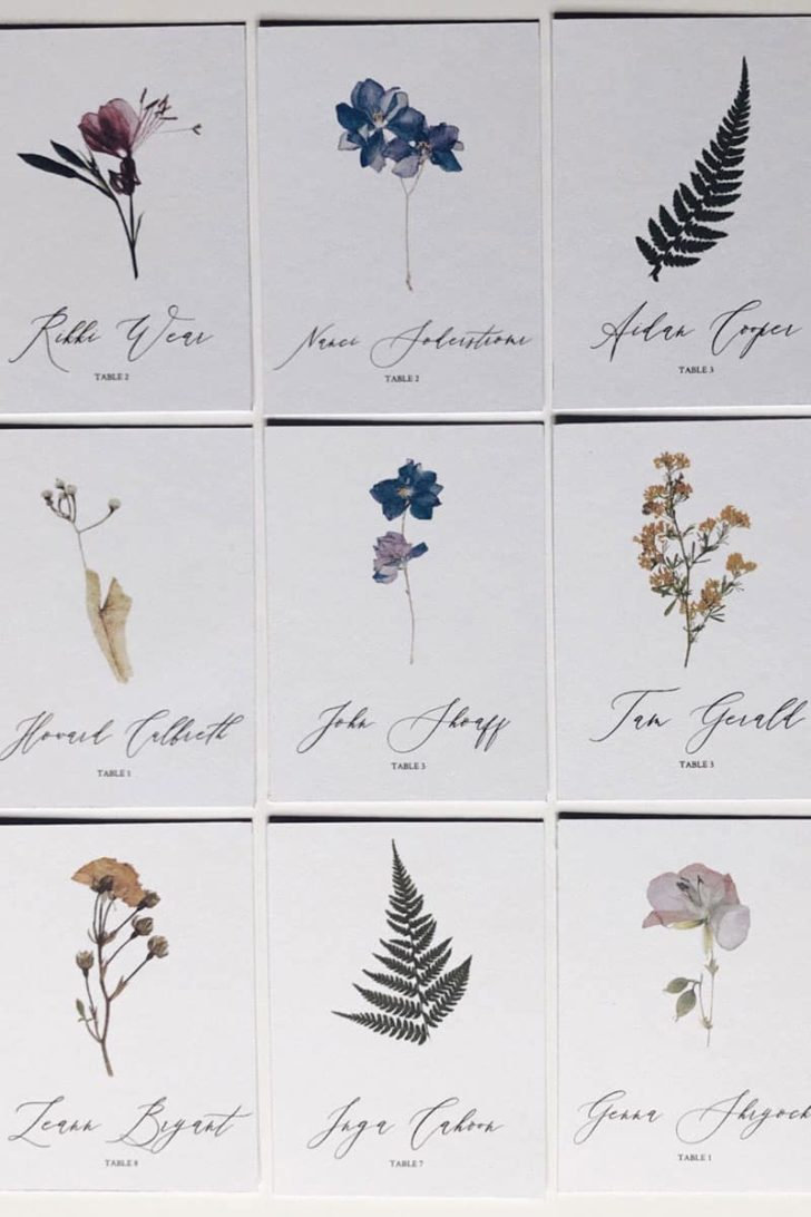 EGLettering on Etsy - Pressed Flowers Wedding Place Cards