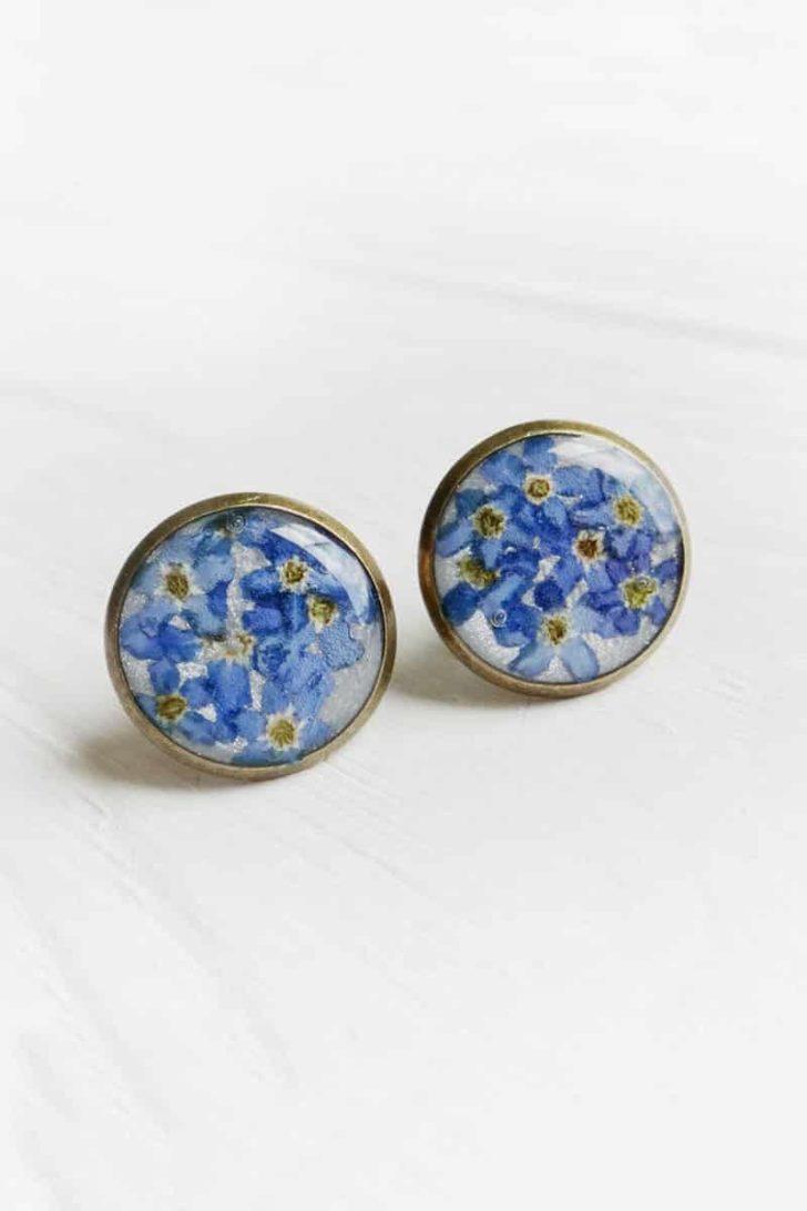 ETERNIADA on Etsy - Pressed Flower Earrings