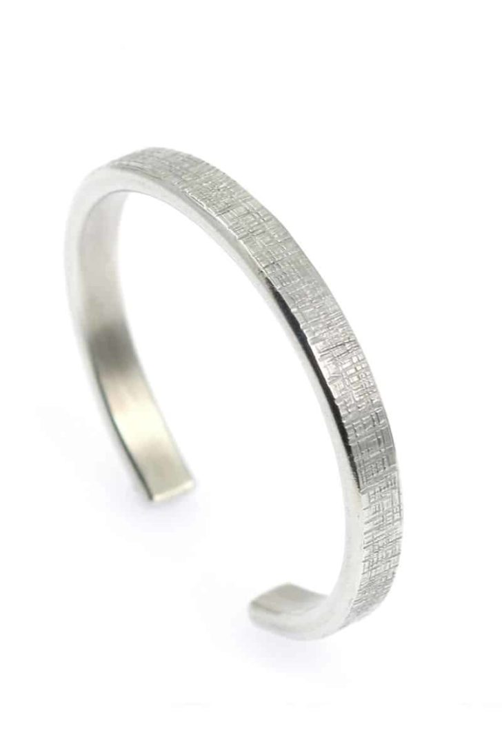 affordable tenth anniversary gift idea - aluminum men's bracelet