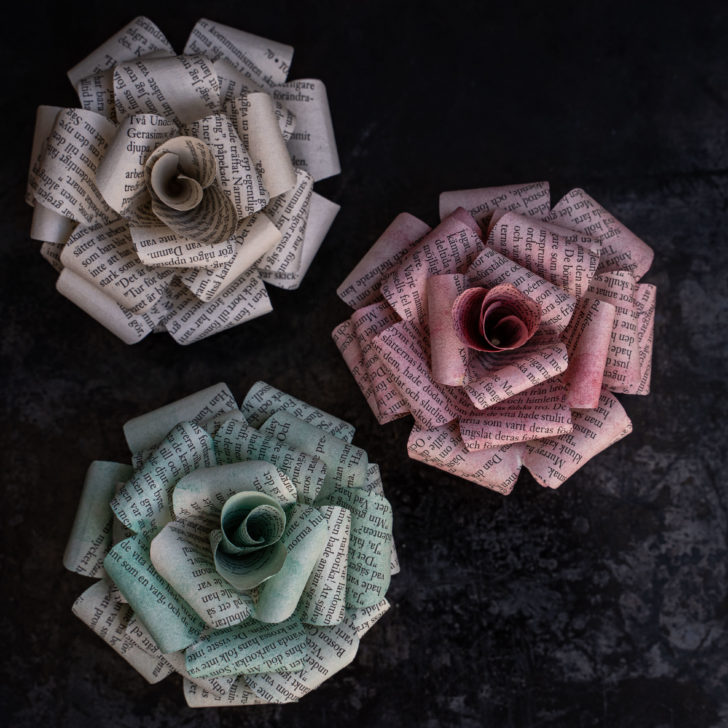 diy paper roses with book pages