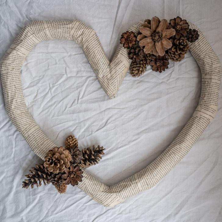DIY eco-friendly pinecone wedding decor