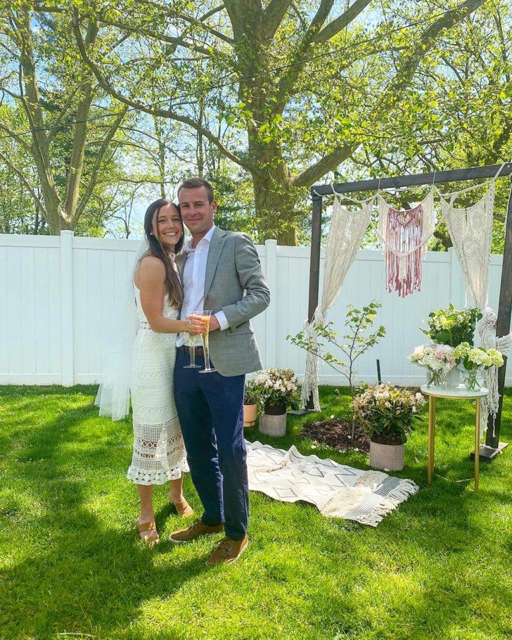 A Coronavirus Wedding - Minimony - Backyard Microwedding