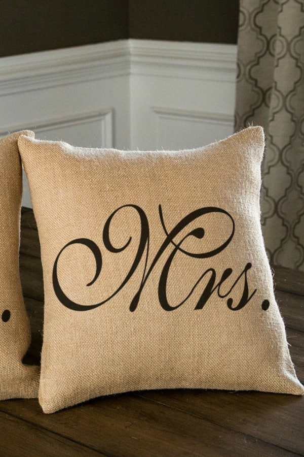 mr and mrs pillow set