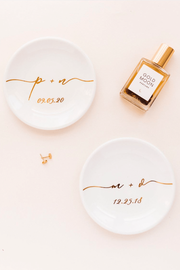 engagement gift ideas:  ring dishes
