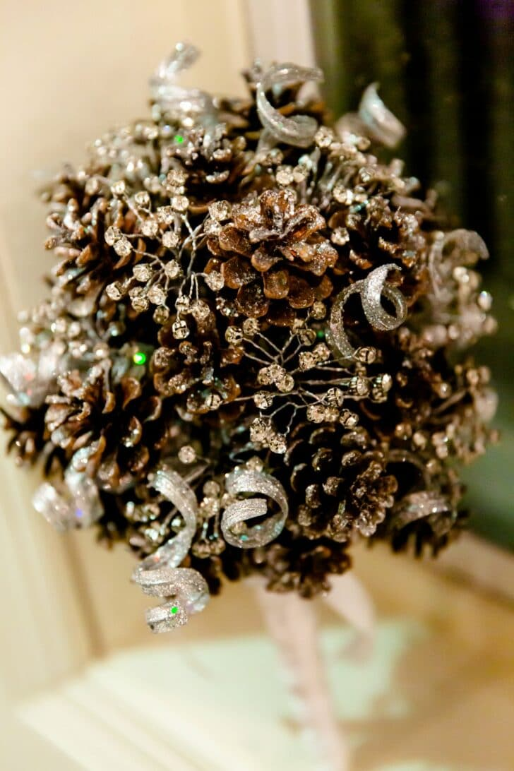 pine cone bouquet - alternative bouquet - DIY bouquet