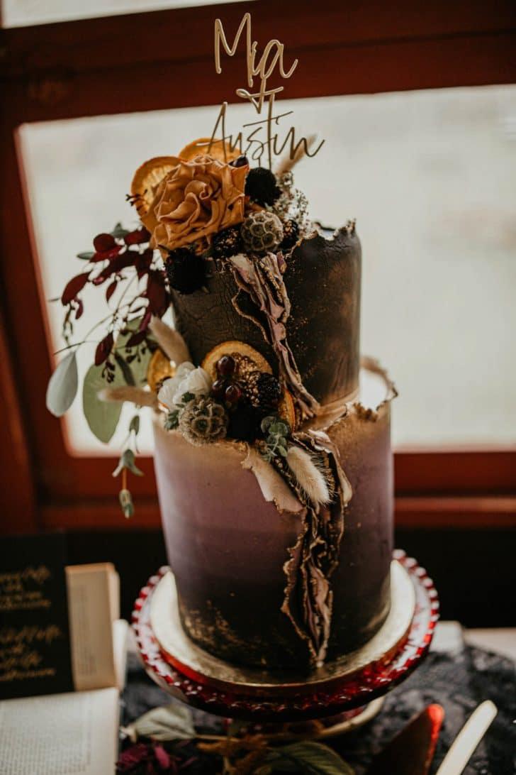 wedding cake - amazing wedding cake - colorful wedding cake themed wedding cake