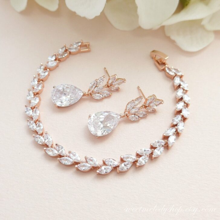 sweet melody shop bridal earrings and bracelet