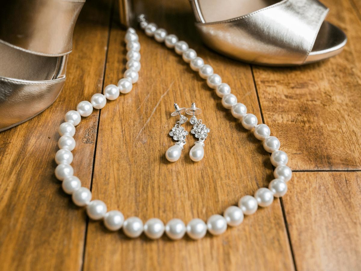 wedding day accessories