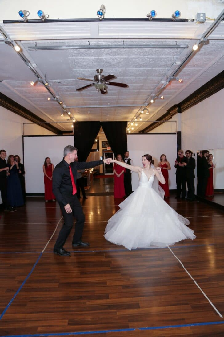 micro wedding with red rose details