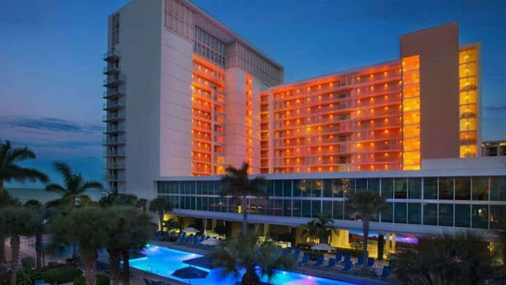25 popular resorts | popular timeshares for honeymoons  11. Marriott's Crystal Shores