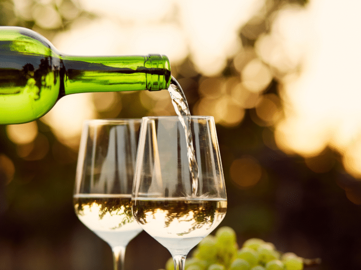 Affordable Champagne Alternatives to consider for your wedding