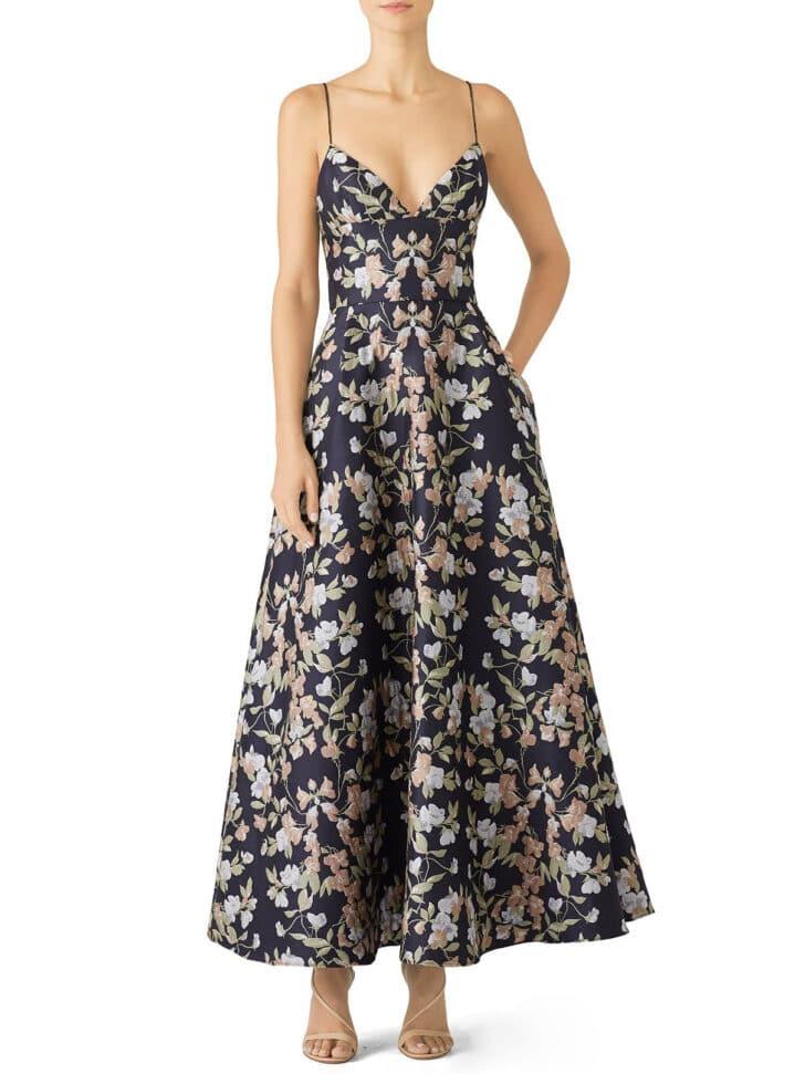 alquilar un vestido de damas de honor en la pasarela de otoño