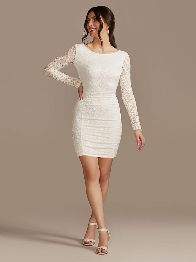 Vestido de novia corto de encaje de David con cuello alto y manga larga • $ 69.95 Vestidos de ensayo asequibles